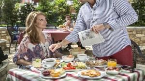 Πρωινό στην ανθούσα της Πάργας